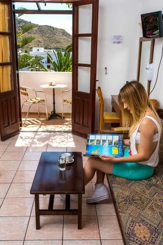 accommodation asteri hotel lounge room