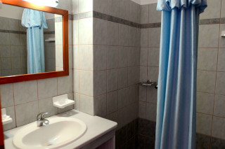 accommodation asteri hotel shower