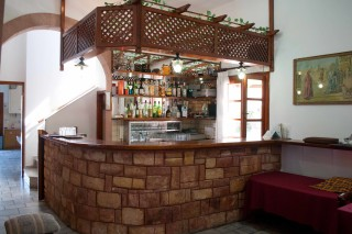 asteri-hotel-reception