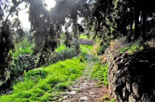 patmos-hiking